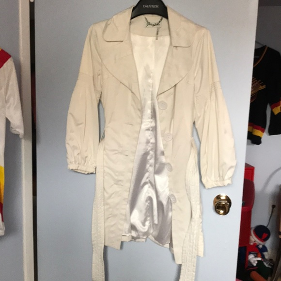 Vintage Guess creamy white jacket